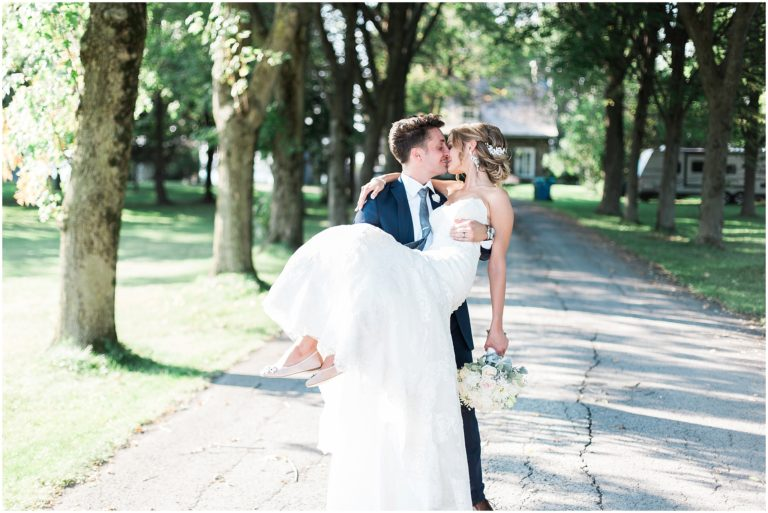 Romantic Montreal wedding